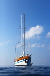 Mit dem Segelboot Malediven genießen
